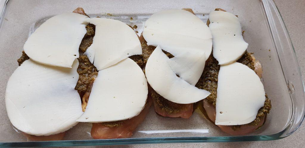 csirkemell mozzarella pesto
