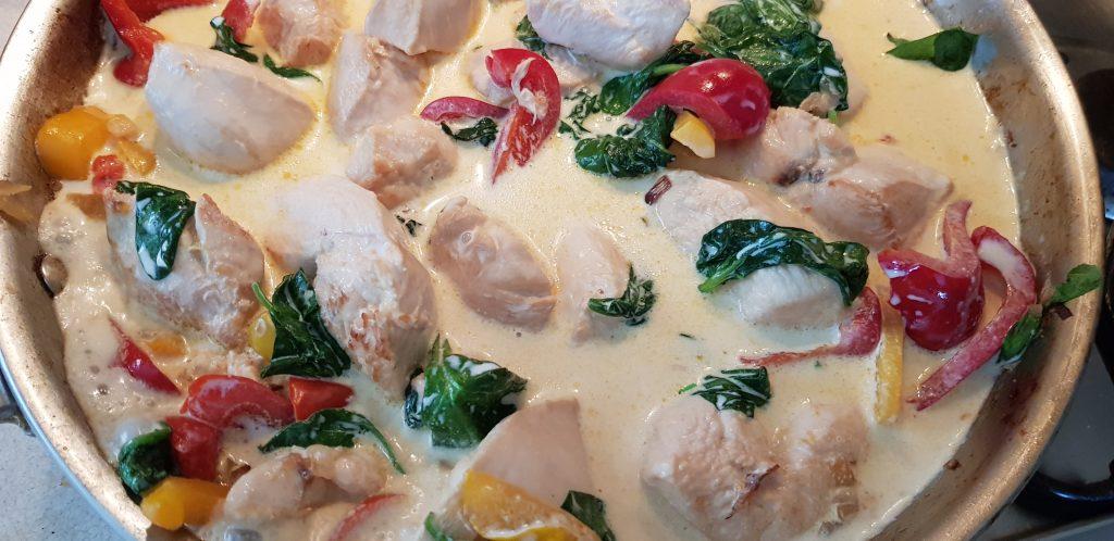 csirkemell zöldségekkel tejszínnel