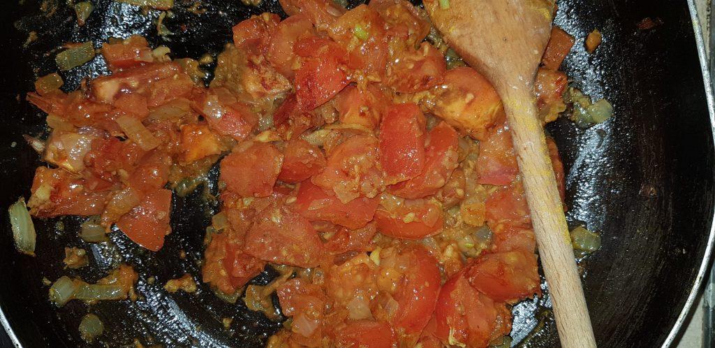curry paradicsom