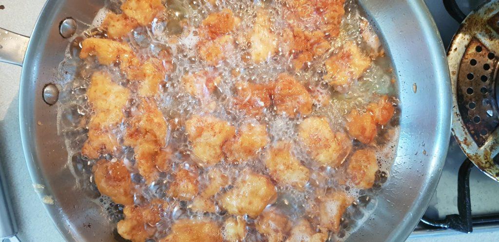 szezámmagos csirke megsütve