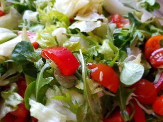 rukolás zöldségsaláta